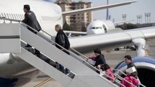 Las autoridades persiguen a la Iglesia Internacional, deportan a los pastores extranjeros